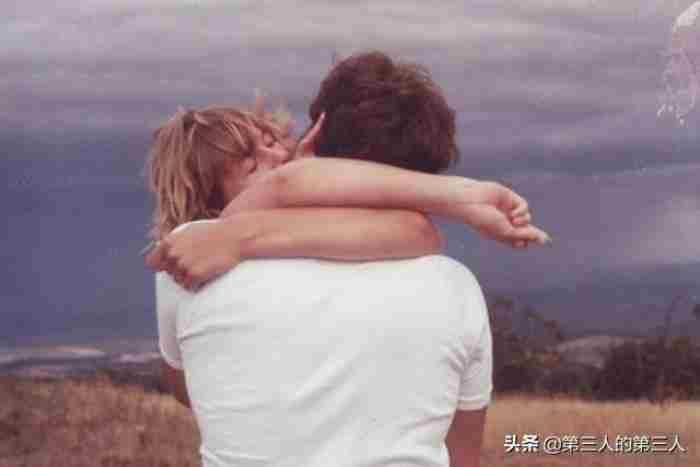 扎心到哭的爱情故事大全 扎心的爱情小故事